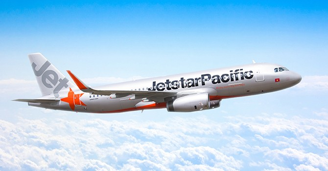 Qantas Commits to Long-term Investment in Jetstar Pacific