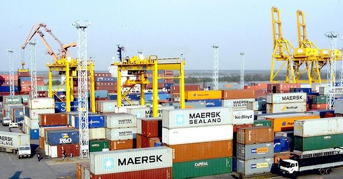 Vietnam Runs $3.85 Billion Trade Gap Year to Nov. 15
