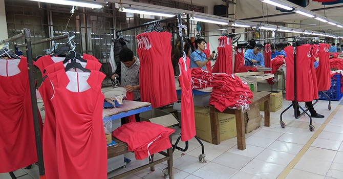 Vietnam Manufacturing Index Dips in November as New Orders Fall