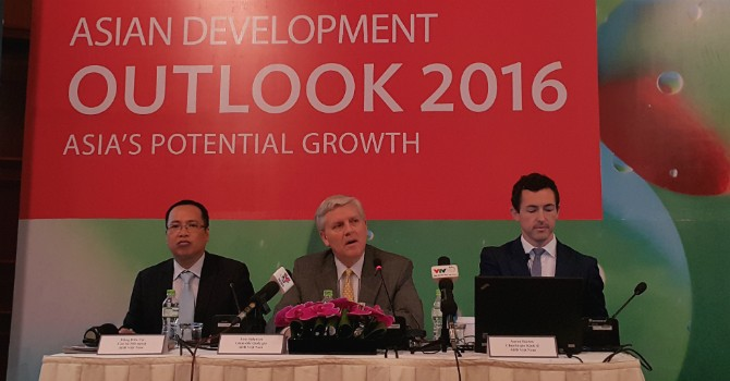 Vietnam Economic Growth May Slow to 6.5% in 2017: ADB