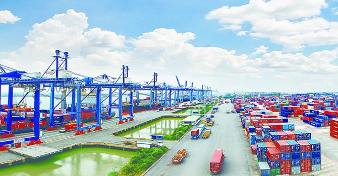Vietnam Stands out in Global Gloomy Trade Outlook: WTO