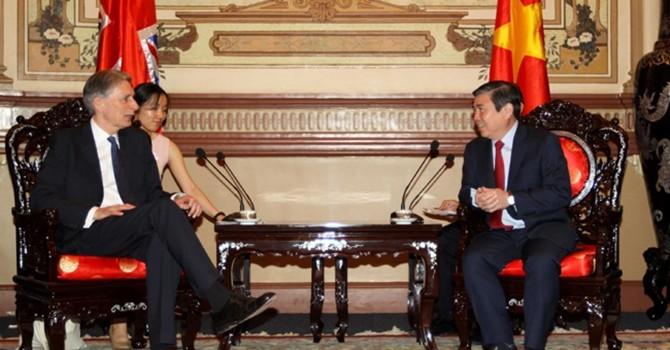 [Round-up] Vietnam, EU Reach Timber Deal, HCM City Wants Wider Presence of UK Firms
