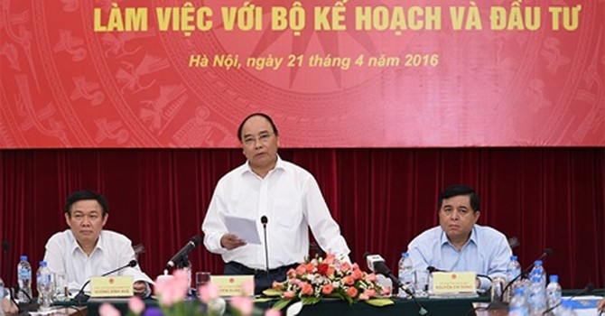 Vietnam New PM Urges Efforts to Attain 6.7% GDP Growth