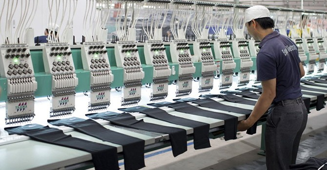 Vietnam Manufacturing Gathers Steam in May on New Orders