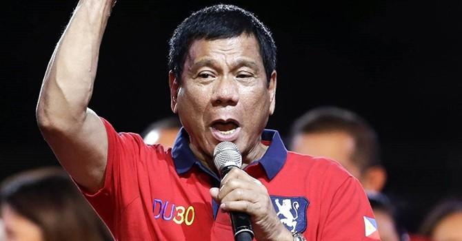 """Phụ thuộc kinh tế vào Trung Quốc có khiến Tổng thống Philippines """"dịu giọng""""?"""