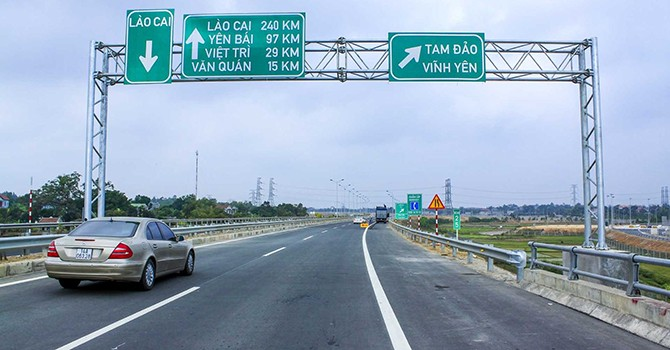 China's Offer to Loan $304 Million for Road Project Divides Vietnamese Ministries