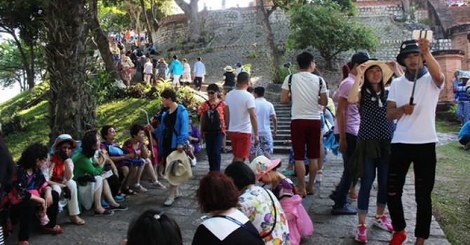 Chinese Tourist Arrivals to Vietnam Surge 54% to 1.47 Million in 7 Months