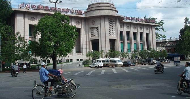 Moody's: Nhiều rủi ro vẫn đeo bám ngân hàng Việt Nam