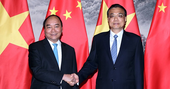 [Round–up] Vietnam, China Deepen Partnership, PM Hosts Dialogue with Chinese CEOs
