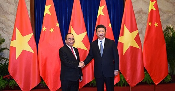 [Round-up] Vietnam Treasures Relations with China, Singapore DPM on Visit to Vietnam
