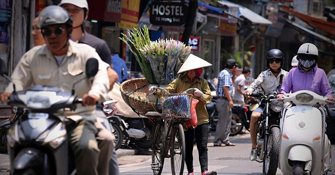 HSBC Trims Vietnam's Growth Forecasts on Dimmer Outlook