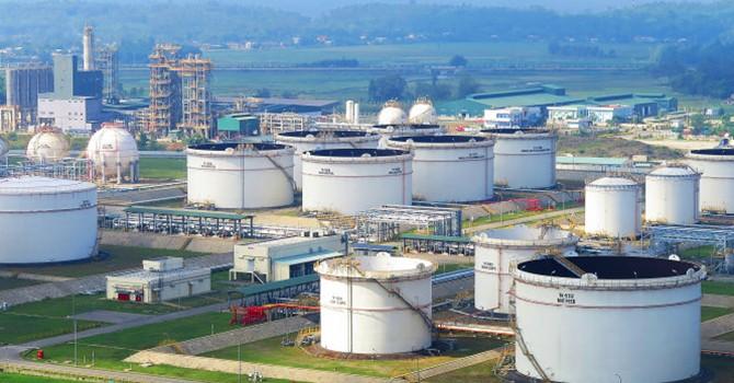 Vietnam Seeks $1.2 Billion Foreign Credit for Refinery Expansion