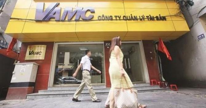 Vietnam's Toxic Loan Ratio Falls as Credit Growth Accelerates