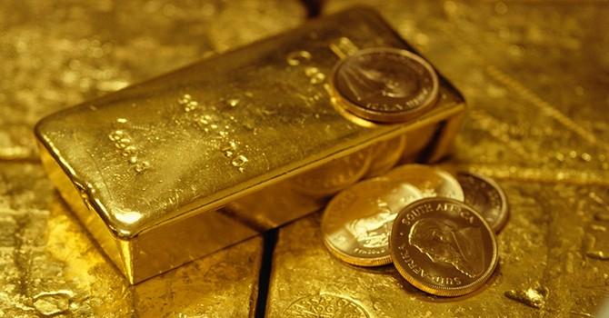 Giá vàng nhích nhẹ do lo ngại chính trị vẫn phủ bóng