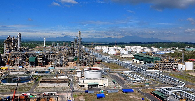 Vietnam's 1st Oil Refinery to Sell 5-6% Stake at IPO in Q4