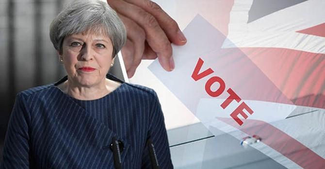 Đảng Bảo thủ của Thủ tướng May không giành được đa số ghế