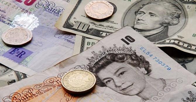 """Bảng Anh """"ngóc đầu"""" sau khi nằm đáy 2 tháng, peso Argentina xuống thấp kỷ lục"""