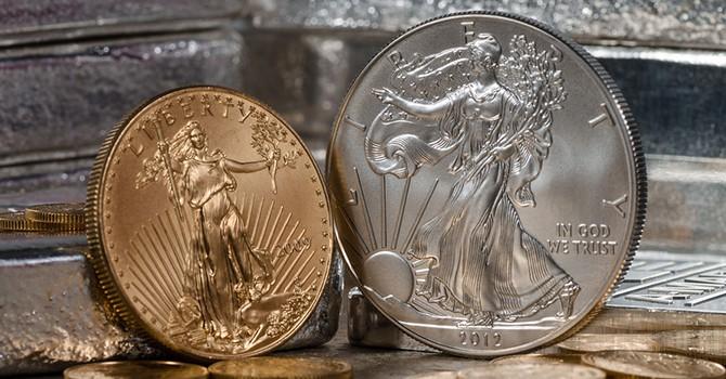 Giá vàng tăng phiên thứ năm liên tiếp do đồng USD yếu
