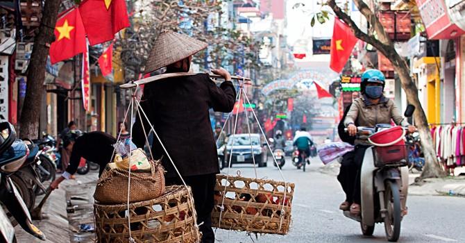 IMF hạ dự báo tăng trưởng GDP Việt Nam xuống 6,3% năm 2017, cảnh báo nhiều rủi ro