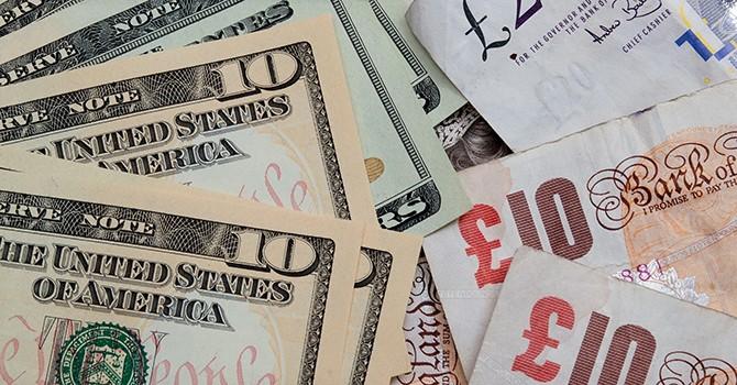 """Số liệu kinh tế """"hồng hào"""" tiếp sức đồng USD"""