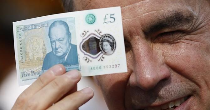 Đồng bảng Anh tăng vọt so với đồng USD nhờ triển vọng tăng lãi suất