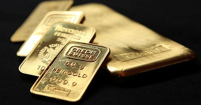 Vàng sụt giá 3 phiên liên tiếp, lùi xa đỉnh 1 năm