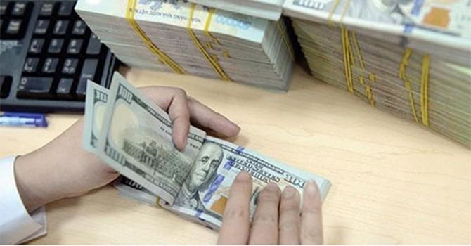 Đồng USD tiếp tục xuôi dốc do gói cải cách thuế Mỹ gặp trở ngại