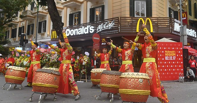 Foreign Retail Chains Hesitate to Land First on Vietnam's Capital