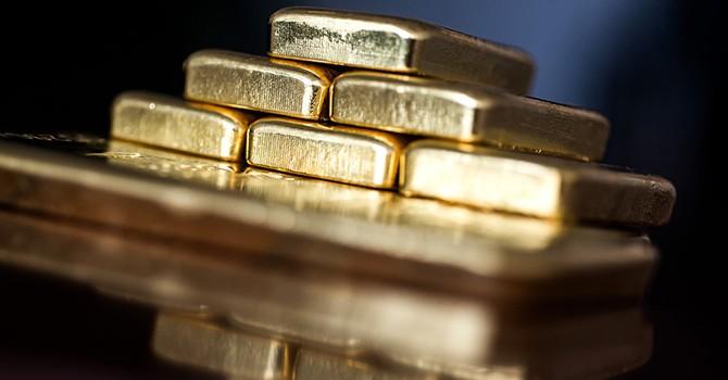 Chuỗi tăng giá dài kỷ lục của vàng chấm dứt