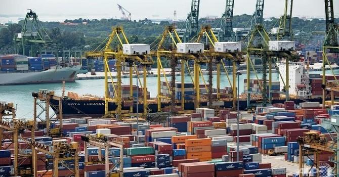 Việt Nam nhập siêu gần 3 tỷ USD từ Singapore trong quý I/2015
