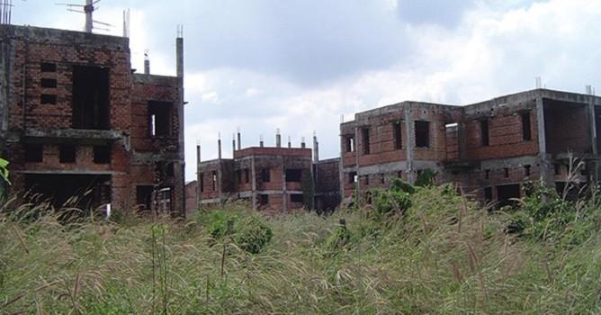 """Siết tín dụng bất động sản: """"Giá nhà ở có khả năng tăng vọt""""?"""