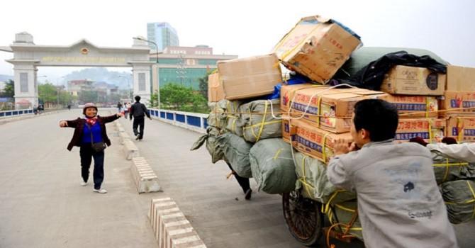 4 tháng, nhập siêu từ Trung Quốc gần 9 tỷ USD