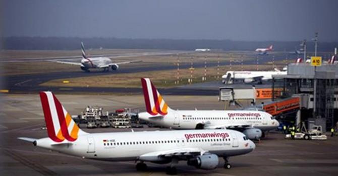 """Máy bay Germanwings hạ cánh khẩn vì hành khách """"quá sợ hãi"""""""