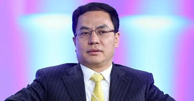 """Tỷ phú năng lượng mặt trời """"soán ngôi"""" giàu nhất Trung Quốc"""