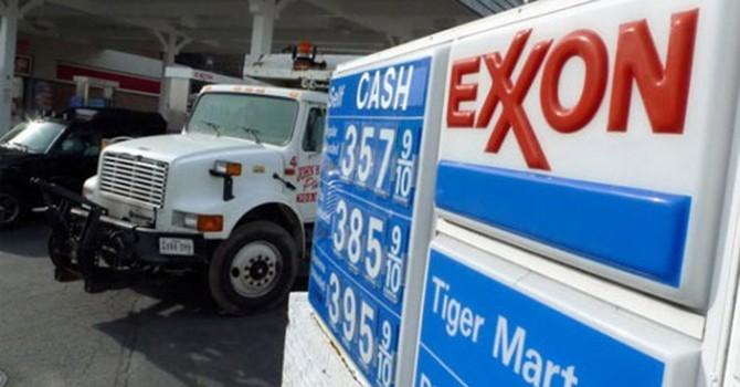 Giá xăng dầu thế giới đồng loạt giảm sâu
