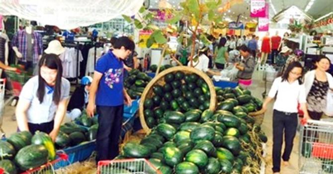 Dưa hấu miền Trung vào siêu thị, giá 3.000 đồng/kg