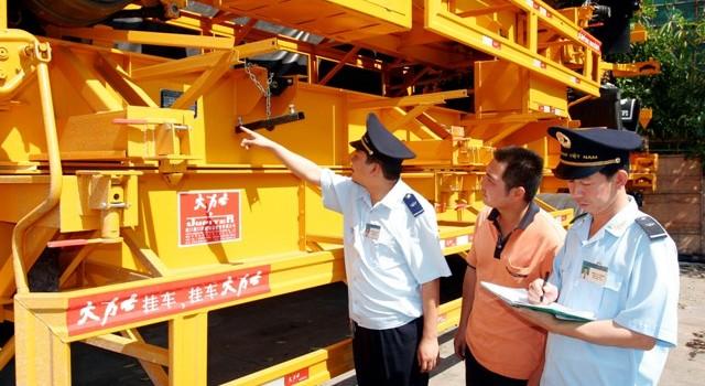 Doanh nghiệp nhập khẩu máy móc thiết bị phải nộp thuế GTGT