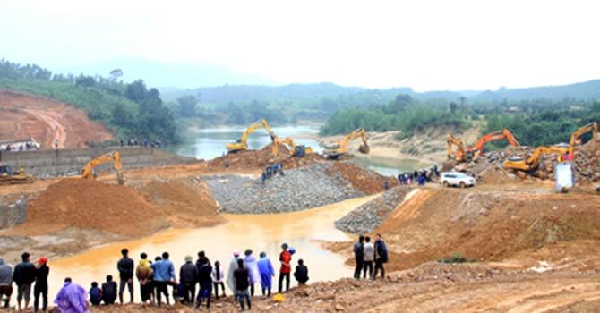 """Đầu tư XDCB và quản lý, sử dụng đất đai ở Hà Tĩnh: """"Tiền trảm, hậu tấu"""""""