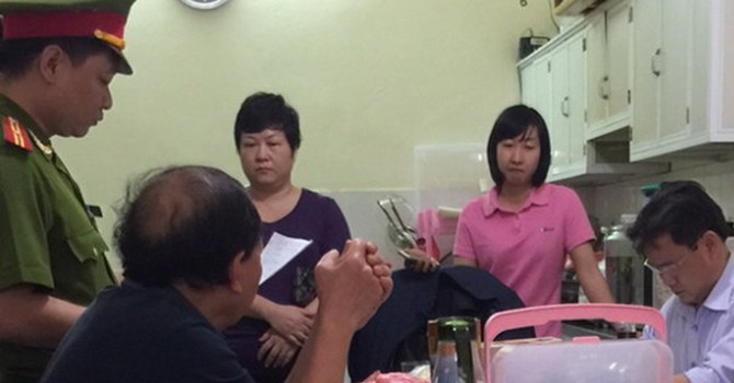 Phá vụ buôn lậu sữa lớn từ Úc về Việt Nam