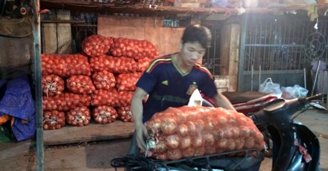 Hành Việt ế đồng: Từ chợ đến nhà hàng toàn hành Trung Quốc
