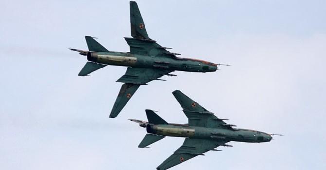 Vớt được khung kính buồng lái, phát hiện bộ phận nghi phần đuôi tiêm kích Su 22