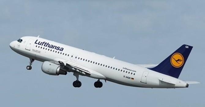 """Phi đội máy bay hùng hậu của hãng """"mẹ"""" Germanwings"""