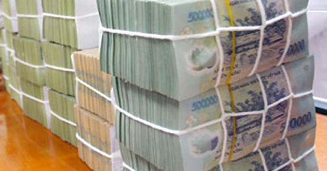 """Nới """"phanh"""", ngân hàng lập tức đẩy mạnh lấy ngắn nuôi dài"""