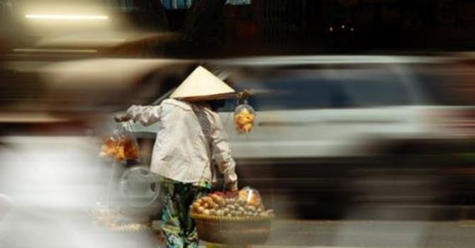 Người Việt gánh thuế phí cao nhất ASEAN: Đi ngược mong muốn!