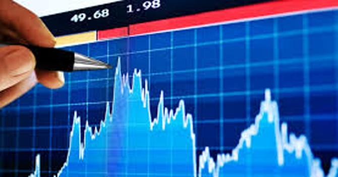 """""""Sell in May"""" có luôn đúng ở thị trường chứng khoán Việt Nam?"""