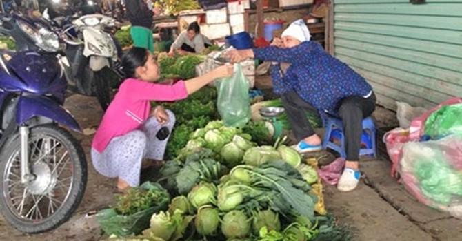 Giá thực phẩm có tăng, nhưng không phải tại giá xăng?