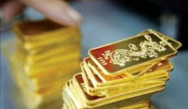 """Thống đốc Nguyễn Văn Bình nói gì về hiện tượng """"vàng hóa"""" trong dân?"""