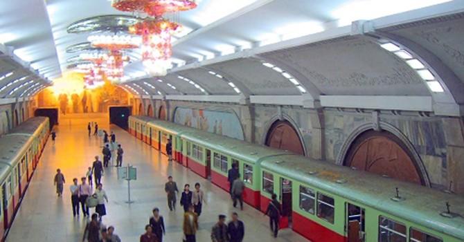 """Xin đừng hoang tưởng Metro là """"phép màu"""" xóa nạn"""