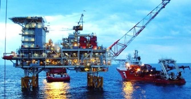 Xuất khẩu dầu thô giảm tới 76% về giá trị