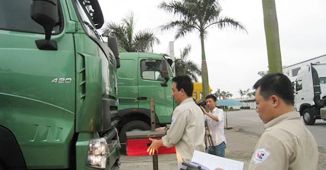 Xe tải Trung Quốc ồ ạt vào Việt Nam: Doanh nghiệp từ lắp ráp sang nhập khẩu?